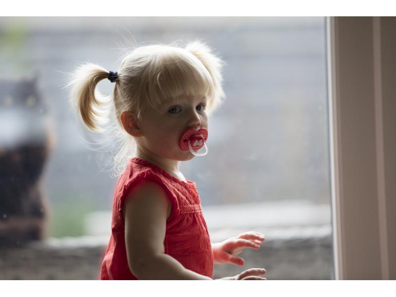 Tommee Tippee Šidítko C2N silikon Little London Girl 6-18m